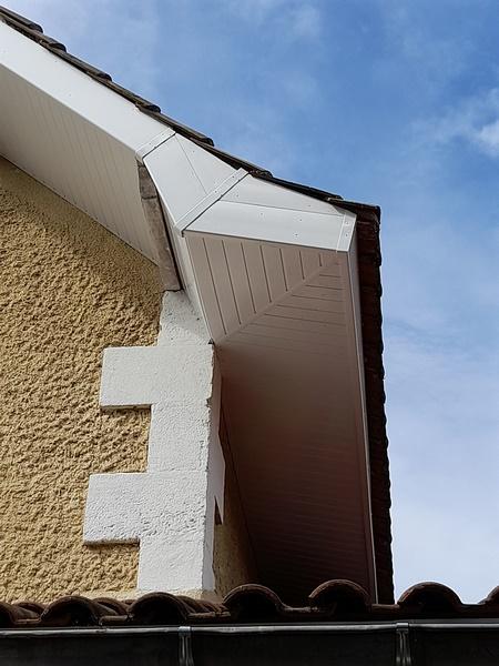 creation-avant-toit-pvc-couvreur-bordeaux-4